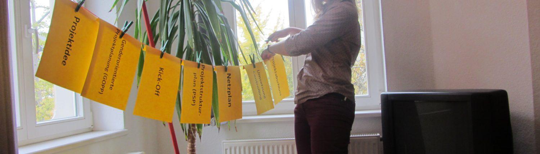 Sinah Hegerfeld erklärt die Phasen des Projektmanagements