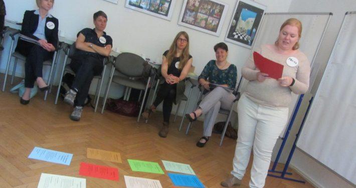 Maria Kropp stellt Ergebnisse der letzten Zukunftstage vor, 2015 in Chemnitz..